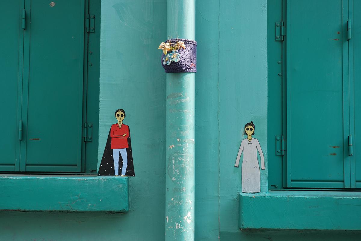 kamlaurene-street-art-paris-personnages-yeux-noirs-deux-minutes-avance-butte-aux-cailles